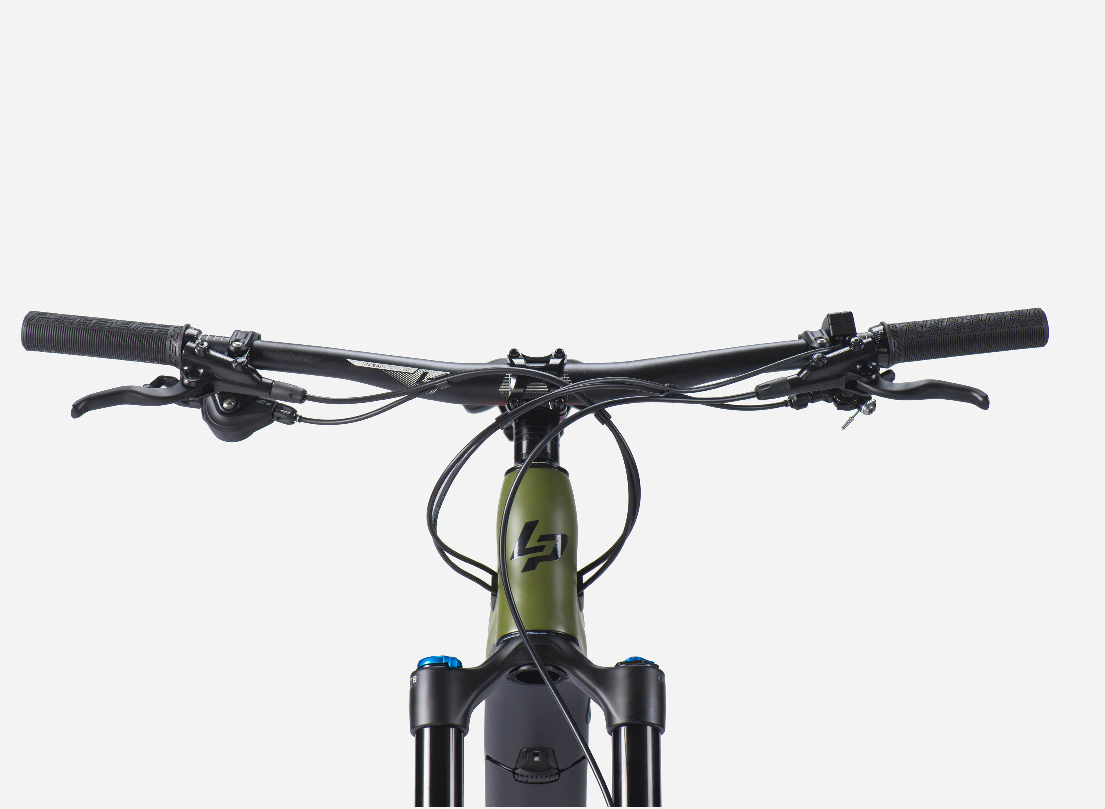 Front view of a Lapierre eZesty AM 9.2 electric mountain bike
